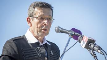 Bocsánatot kért a szarvasi fideszes polgármester: Elnézést, kutya bunkó voltam!