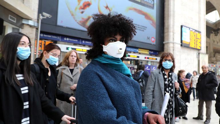 Nem csak a koronavírussal, a politikával is meg kell küzdeniük
