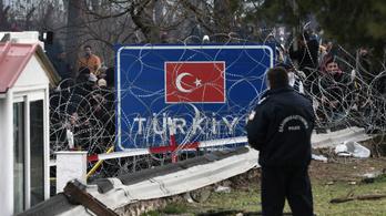 Erdoğan: Szíriai menekültek ezrei indultak el Európa felé