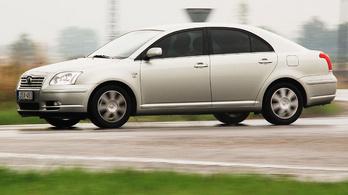 Lecserélném a Corollát. Avensis vagy Accord legyen az utód?