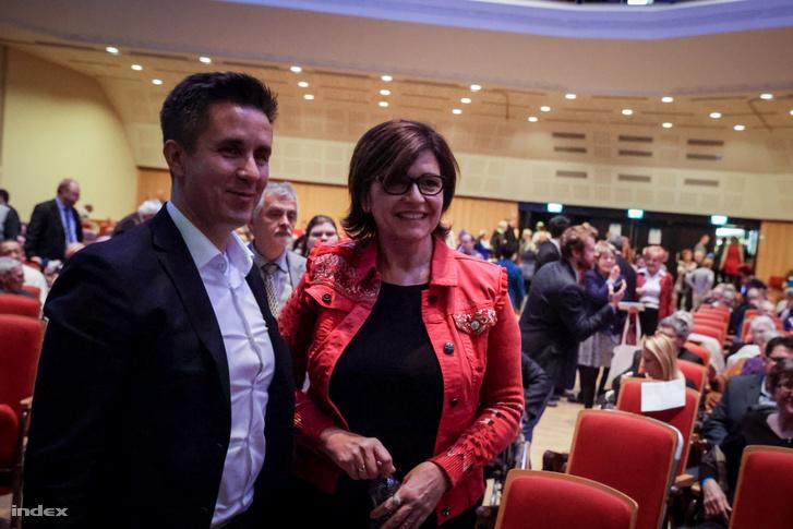 Czeglédy Csaba és Kálmán Olga a DK kongresszuson