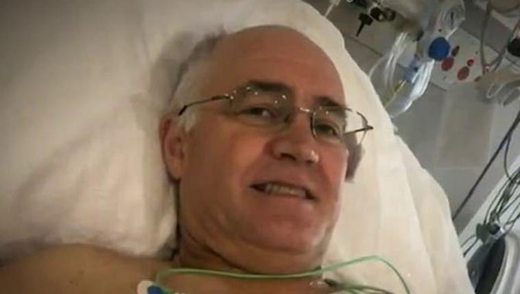 Alistair Blake a kórházban.