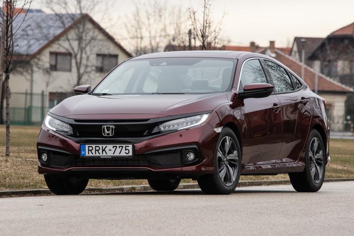 A Honda elég egységes formákat farag ma az autóira, Amerikában ez persze jobban látszik, ahol van választék is