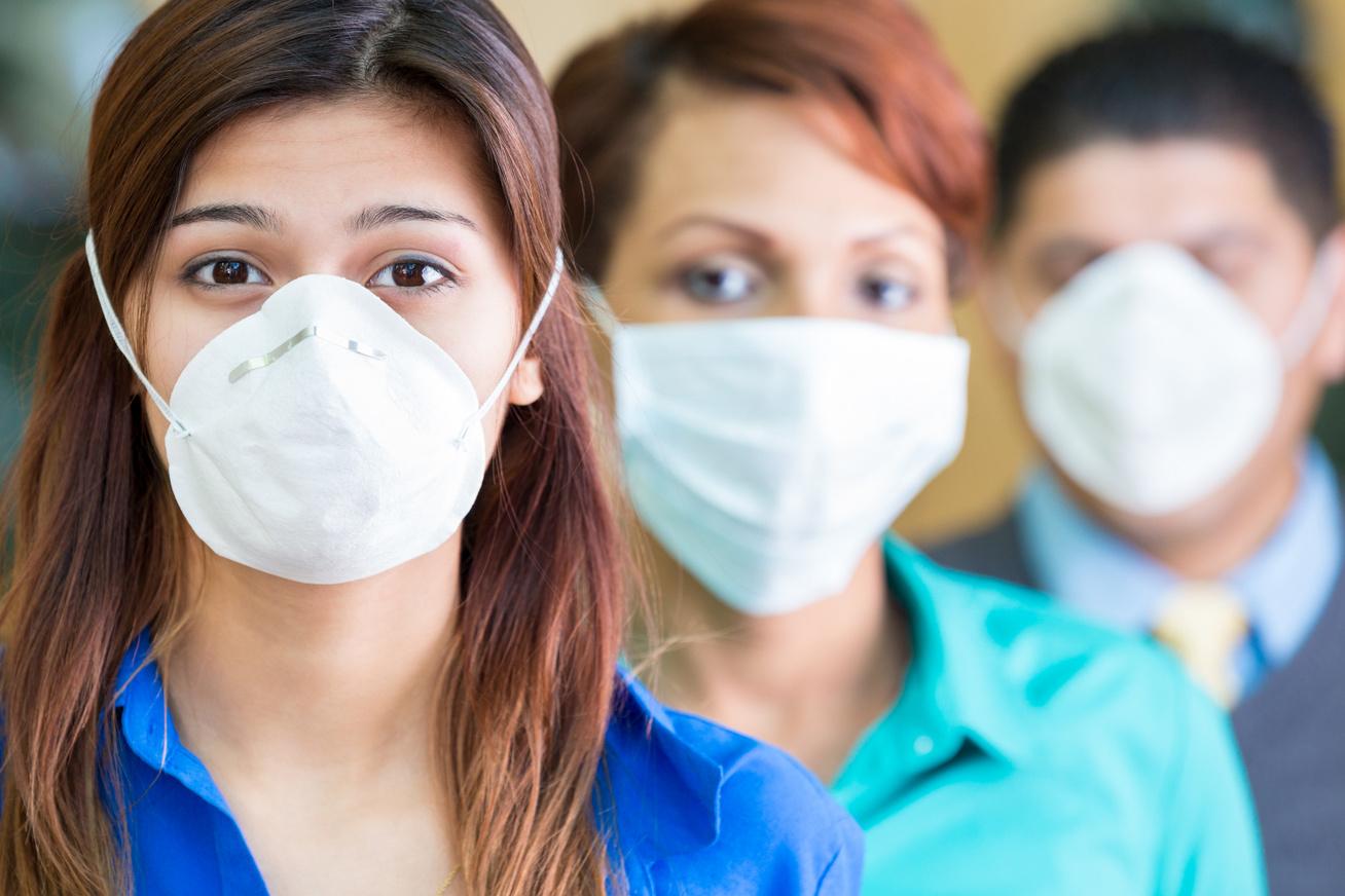 dolgozok-maszkban