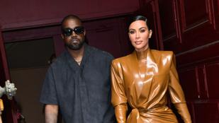 Kim Kardashian latexben ment istentiszteletre a férjéhez