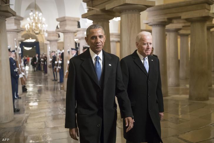 Barack Obama és Joe Biden érkezik Donald Trump beiktatási ceremóniájára Washingtonban 2017. január 20-án