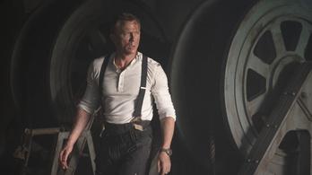 A James Bond-rajongók azt akarják, hogy ne mutassák be a filmet a koronavírus miatt