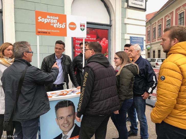 Farkas Ciprián a 2019-es önkormányzati választási kampány idején Sopronban