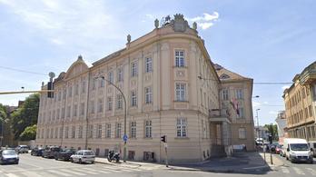 Orbán Viktor volt gimnáziuma nyílt levélben tiltakozik a NAT ellen