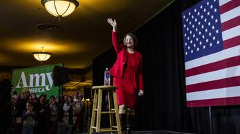 Kiszáll az elnökjelölti kampányból Amy Klobuchar