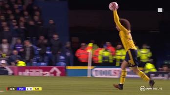 Túlzott szarkazmusért jár a sárga lap az FA-kupában