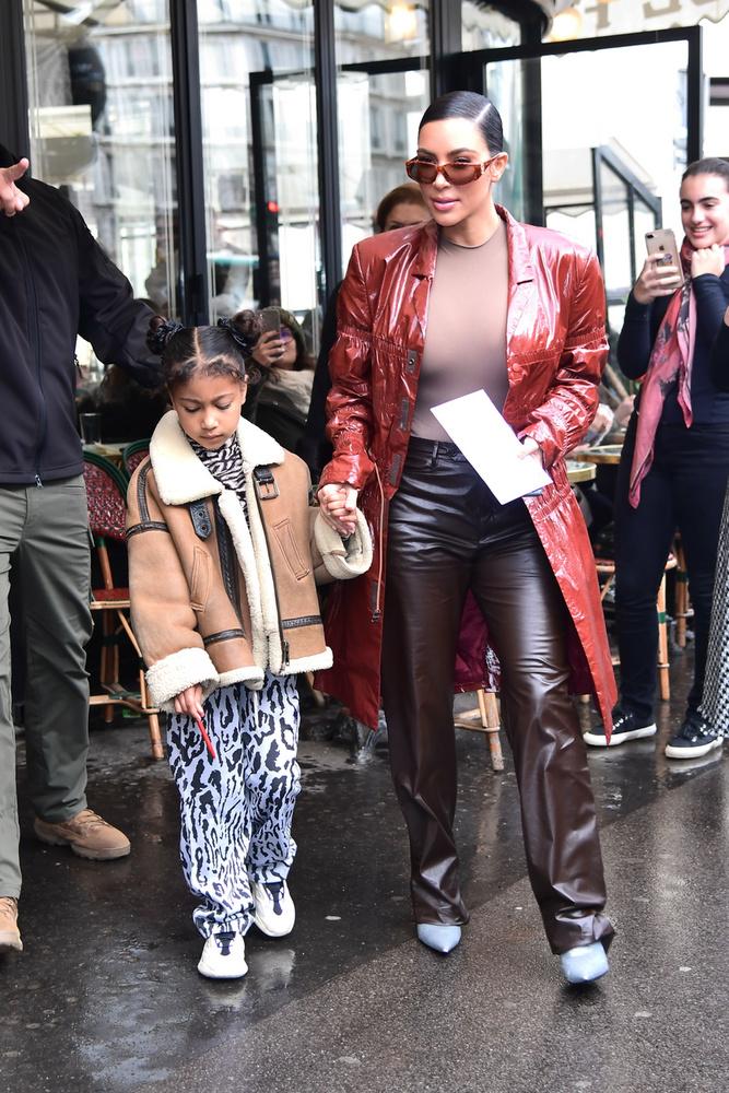 A celebritások magukkal vitték legidősebb lányaikat is