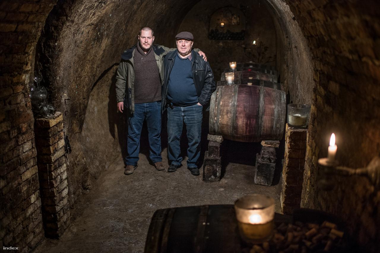 """A Turay családnak Bajon van pincészete, az 1600-as évektől foglalkoznak szőlészettel és borászattal, ekkor kaptak egy kis földet Érsekújvár ostroma után I. Lipót császártól. Turay István is Felvidéken született, majd 1977-ben Magyarországra költöztek, amikor édesanyja újra férjhez ment. És amikor eljött az idő, úgy döntöttek, ha már ilyen régen van szőlő és bor a családban, akkor illendő lenne nem megszakítani ezt a hagyományt. Turay Istvánék úgy gondolták, felvásárolt szőlőből készítenek majd bort, de rájöttek, ha minőségi bort szeretnének, akkor maguknak  kell termeszteni a szőlőt is, mert """"a szőlésznek és a borásznak más az érdeke és a célja, előbbi azt szeretné, hogy a szőlő sokat teremjen, utóbbi pedig azt, hogy az minőségi legyen"""". Amióta 2002-ben megvették a jelenlegi pincét és borászatot még egy fontos szakmai fordulópont volt, egy szemléletváltás, az újabb generáció, vagyis Turay István fia, Turay Kamill meggyőzte a szülőket arról, hogy bioborászaté a jövő. """"Jó érzés, hogy kiáll az ember a szőlő elé, és hallja, hogy van élet a szőlőben."""""""