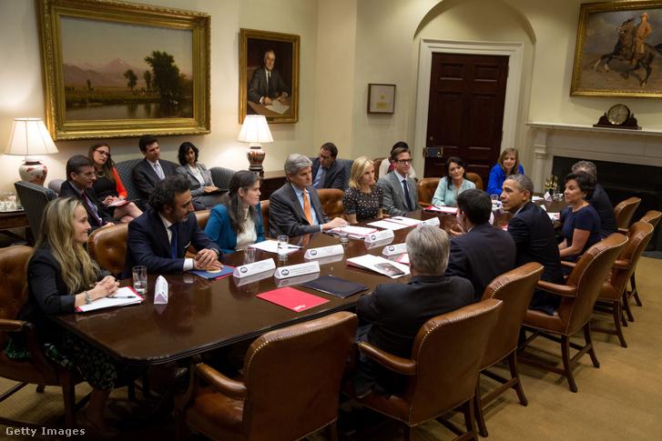 Hamdi Ulukayat 2014-ben Barack Obama amerikai elnök kinevezte vállalkozásösztönző programja nagykövetének (Presidential Ambassadors for Global Entrepreneurship, PAGE)