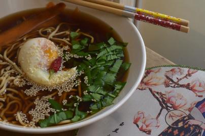 Így használd fel a megmaradt húslevest: csodás ázsiai tésztaleves lesz belőle