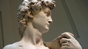 Kalapáccsal esett neki a Dávid-szobornak egy 26 éves férfi Firenzében
