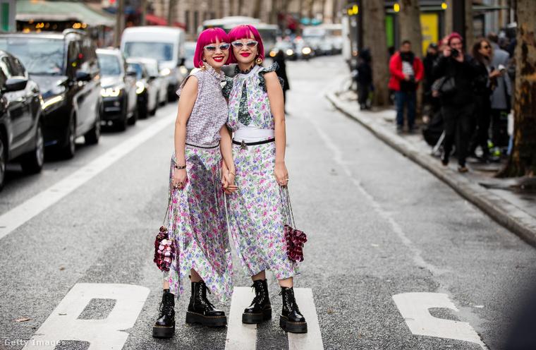 Ebben a szettben nézték meg pénteken Paco Rabanne márkájának divatbemutatóját.
