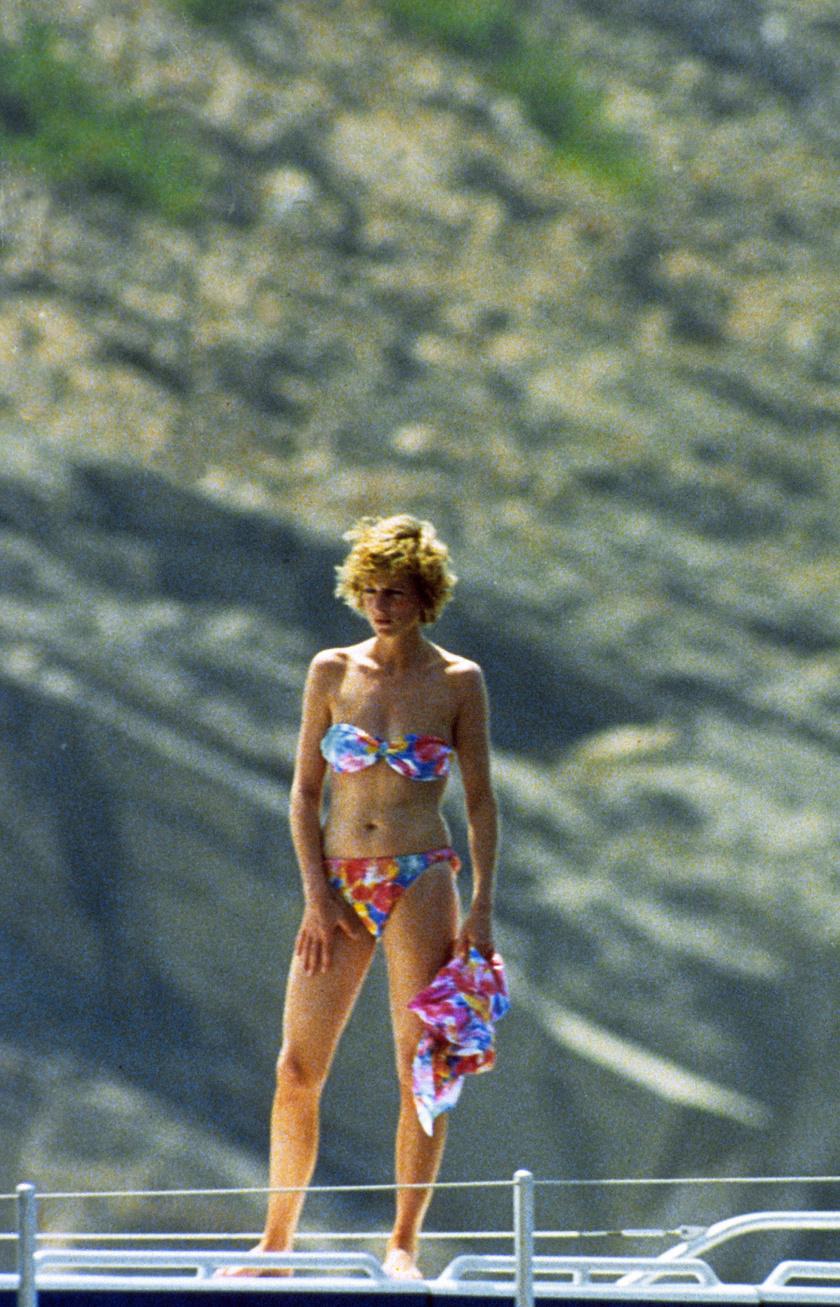 Diana hercegnőt többször is lekapták a lesifotósok strandolás közben.