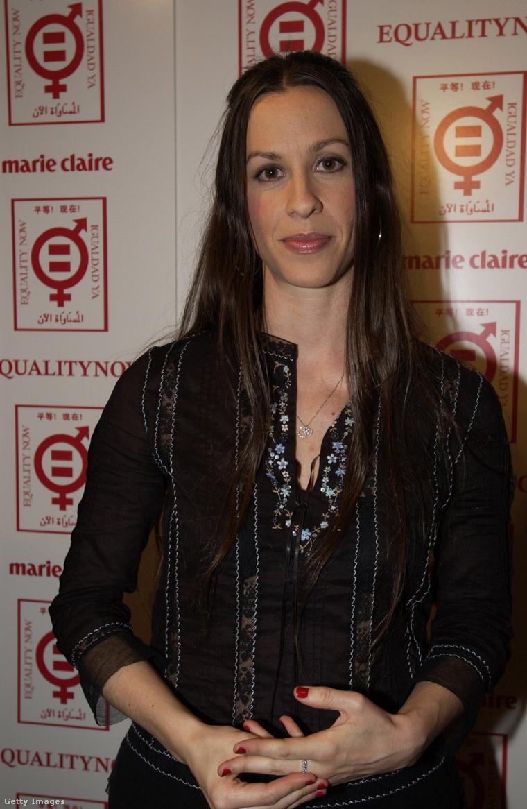 Alanis Morissette 2002-ben.