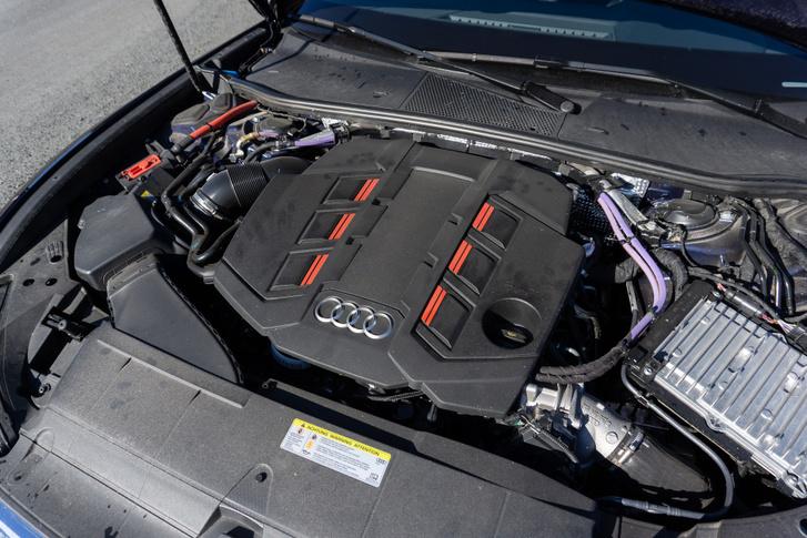 A Volkswagen-csoport V6 TDI-jének csúcsverziója turbós, kompresszoros és lágyhibrid egyszerre: 349 lóerő és 700 newtonméter