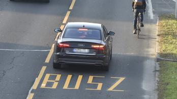 Több millió forintot vasaltak be azokon az autósokon, akik a buszsávot használták