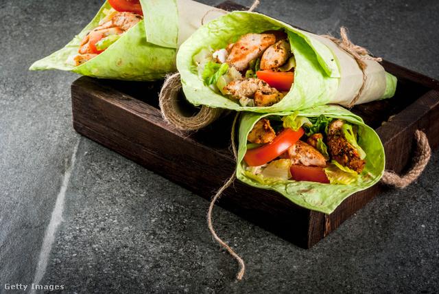 Tortilla gluténmentes változatban, ha zöldségraguval töltjük, abszolút vegán is marad az élet.