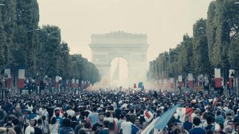 Mindenki francia, de elég egy apróság, és az erőszak elszabadul
