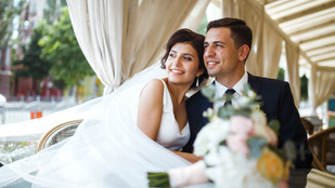Amennyibe az átlagamerikai szerinti ideális esküvő kerül, azt itthon 4 évi munkával lehet megkeresni