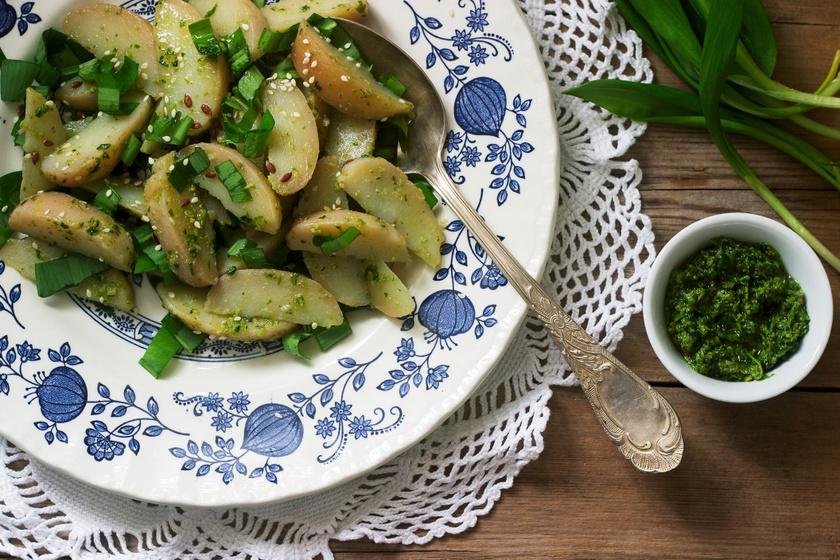 Medvehagymás vajas krumpli: csodás köret, amire nem lehet ráunni