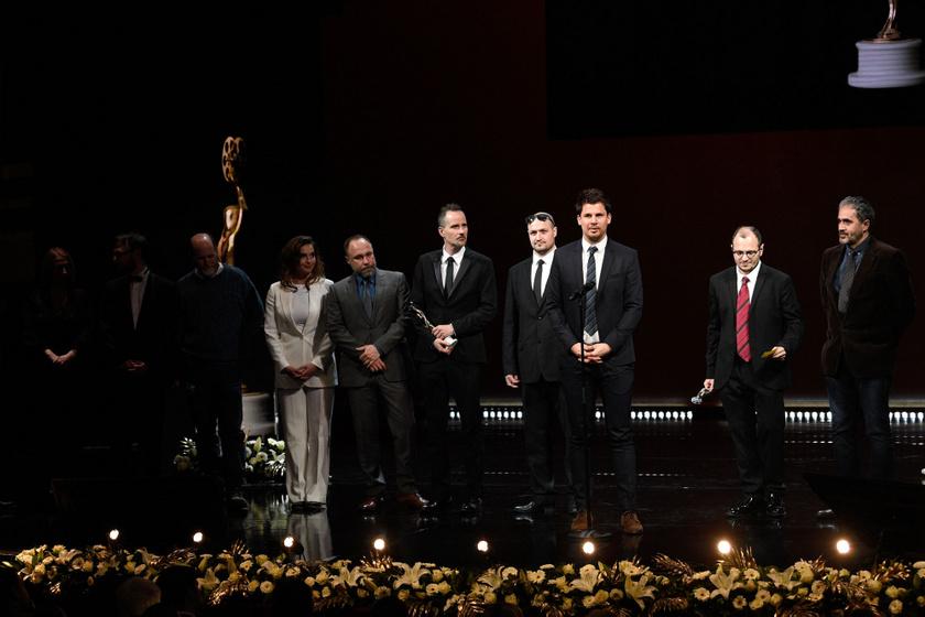 A legjobb tévéfilm díját elnyert Foglyok stábja az 5. Magyar Filmdíj-gálán
