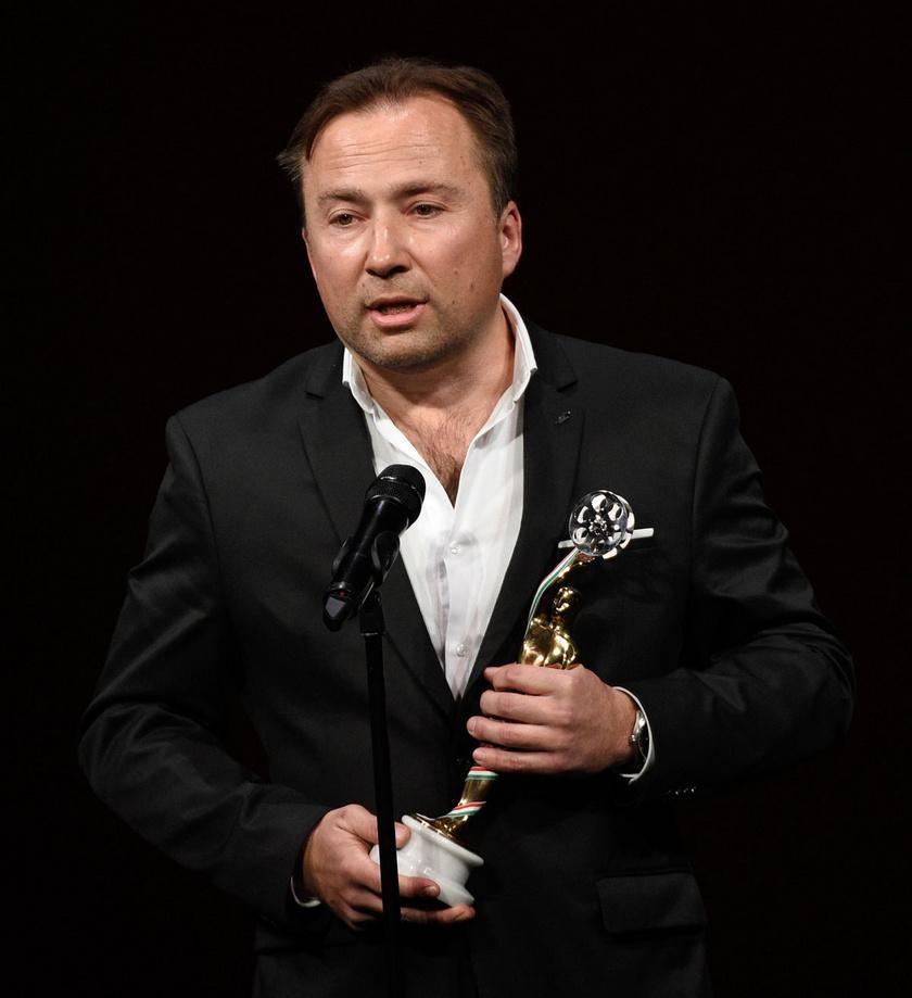 A legjobb tévéfilmes forgatókönyvért járó díj kitüntetettje, Tasnádi István