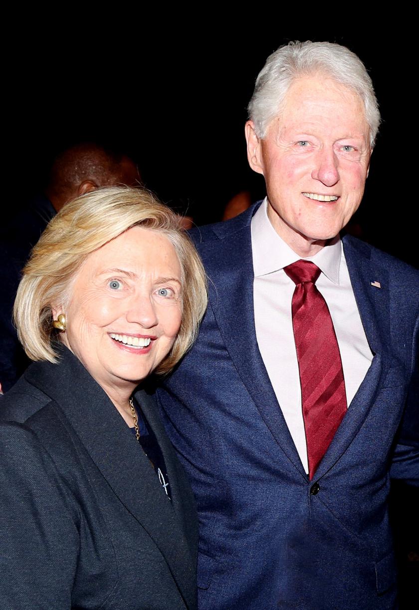 Bill Clinton és Hillary Clinton 2020 januárjában.