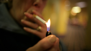 Maga a dohányzó ember is káros az egészségre, nem csak a cigifüstje