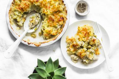 Csirkés, karfiolos rakott krumpli: vastag sajtréteggel a tetején a legfinomabb