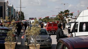 Öngyilkos merénylő robbanthatta fel magát a tuniszi amerikai nagykövetség előtt