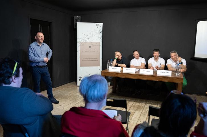 MNHV sajtótájékoztató 2020. február 19-én. Balról-Jobbra: Koncz Ákos, Kovács Dávid, Urbanics Áron, dr. Ágoston Viktor.