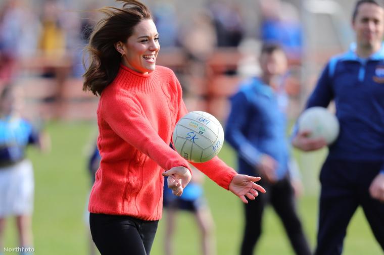 """""""Nyehehe"""" - Katalin.Mint bizonyára észrevették, volt foci is."""