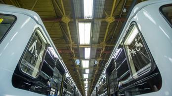Higiéniai titánbevonatot kaptak a metrók és a Combinók