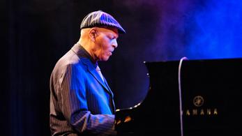 Meghalt McCoy Tyner, a klasszikus Coltrane-kvartett zongoristája