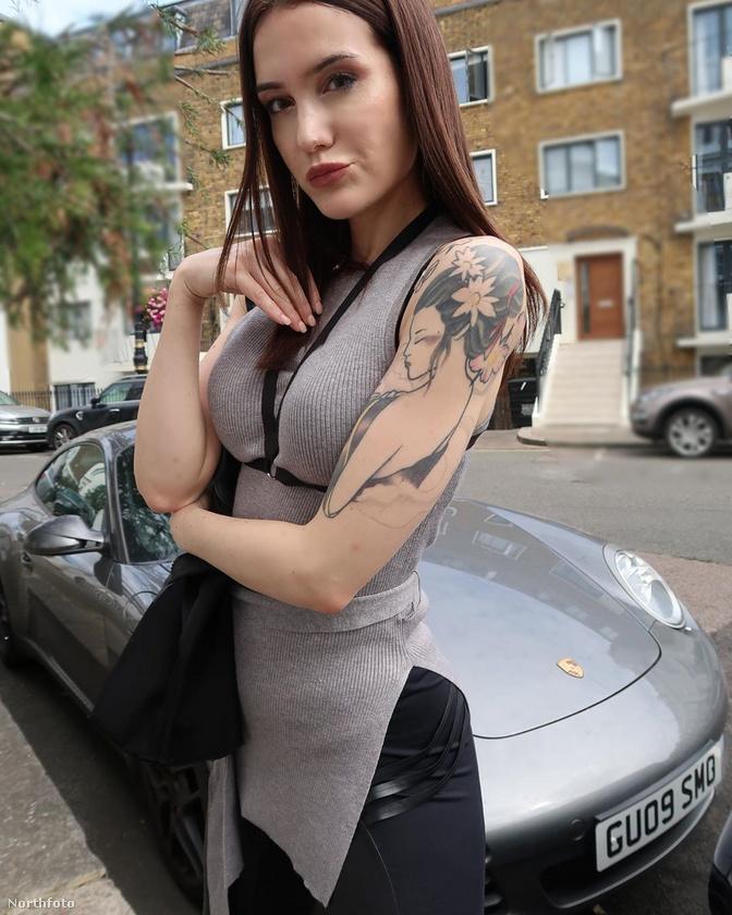 Íme Zoe Noir, civilben, latexmentesen, mondhatni, hétköznapi nőként.