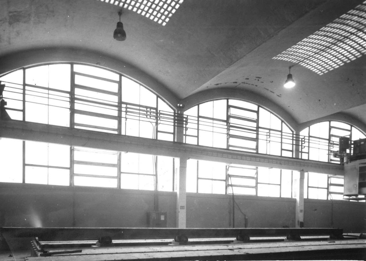 A héjszerkezetek hatalmas előnye volt, hogy egyszerre voltak térhatároló és teherhordó elemek. Emellett pedig nagyon atraktívak is. Zsolcai Épületelemgyár. Vellay István, Nagy József, Blázi János, 1961-1963.