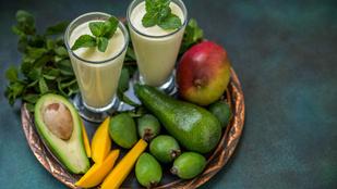 Ezzel indítsd a reggelt: mangó-menta smoothie mézzel és lime-mal