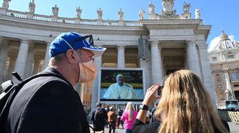 Videoközvetítésen mondta el beszédét Ferenc pápa, bezárják a Vatikán Múzeumot