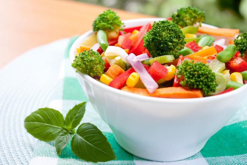Színes, egészséges brokkolisaláta, ami még finom is: ezzel turbózd fel a szervezetedet