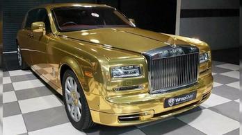 Arany Rolls-Royce-szal is lehet már taxizni