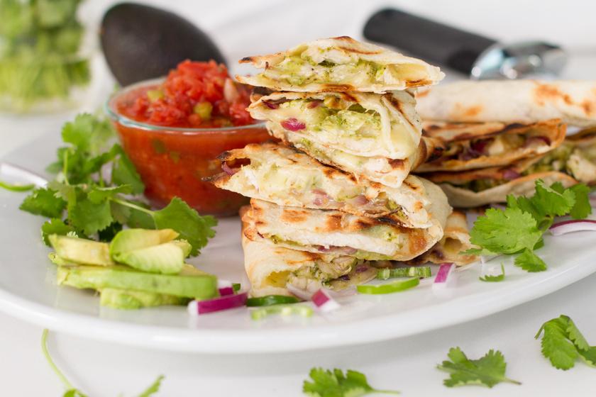 Csirkés quesadilla jalapeno paprikával: a mexikói konyha nagy kedvence