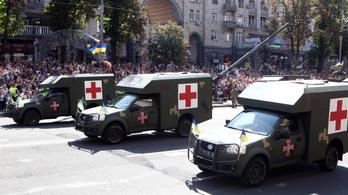 Dróntámadás ért egy ukrán vöröskeresztes járművet