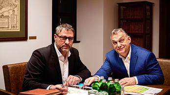 Simonka most nem volt a bíróságon, így ráért találkozni Orbánnal
