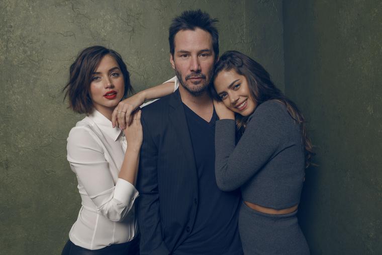 A színésznő sokat köszönhet Keanu Reeves-nek is