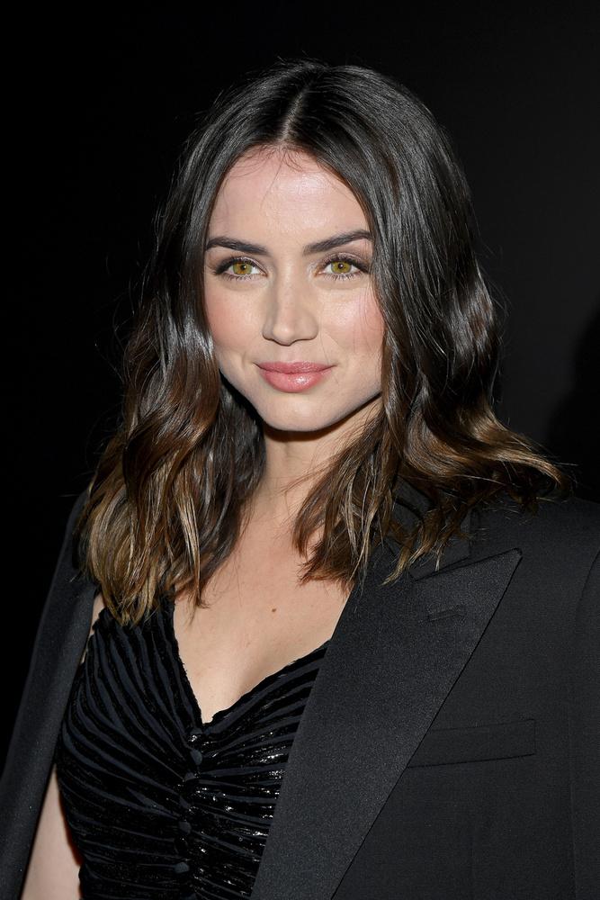 Ezzel a friss fotóval búcsúzunk ma a színésznőről, akivel a jövőben gyakran találkozhatunk majd a mozivászon.